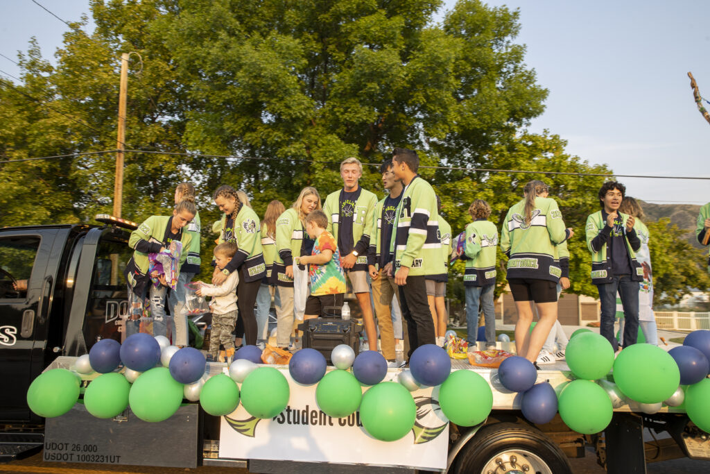 PHOTO GALLERY: Ridgeline Riverhawks Homecoming Parade 2021
